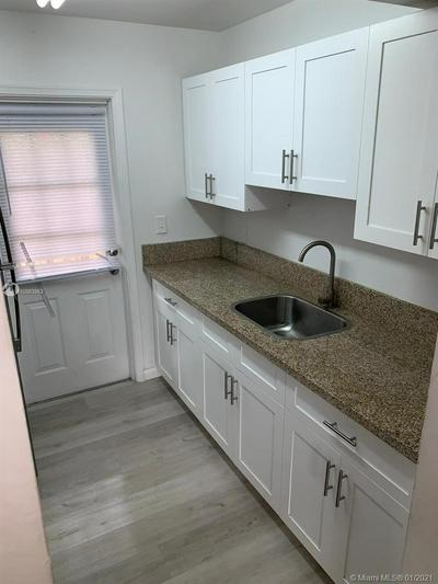 1418 HOLLY HEIGHTS DR APT 2, Fort Lauderdale, FL 33304 - Photo 2
