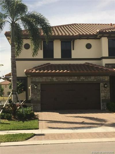 8453 LAKEVIEW TRL # 8453, Parkland, FL 33076 - Photo 2