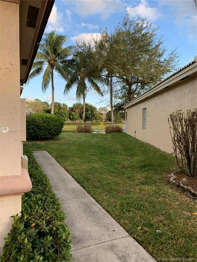 6514 PELICAN AVE, Coconut Creek, FL 33073 - Photo 2
