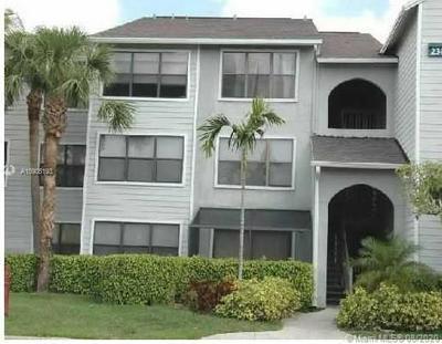 2305 N CONGRESS AVE APT 33, Boynton Beach, FL 33426 - Photo 1