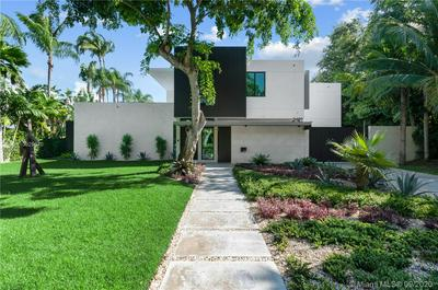 3429 N MOORINGS WAY, Miami, FL 33133 - Photo 1