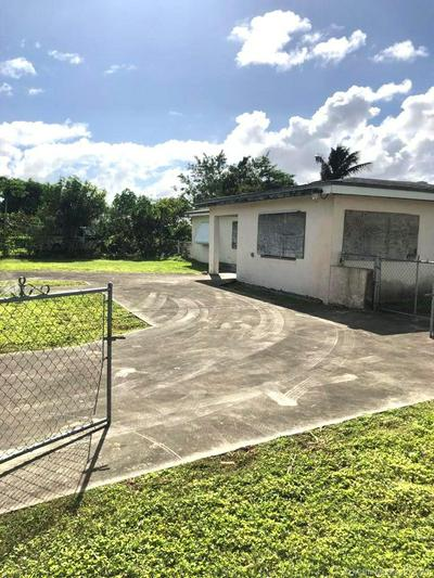 27020 SW 142ND AVE, Homestead, FL 33032 - Photo 2