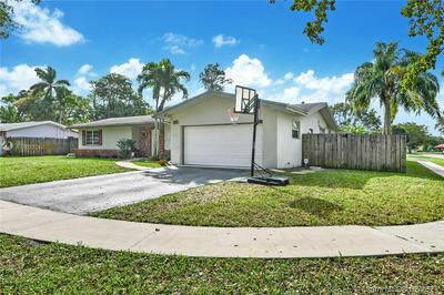 7560 NW 13TH CT, Plantation, FL 33313 - Photo 1