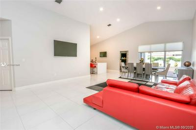 1260 S 13TH AVE, Hollywood, FL 33019 - Photo 2