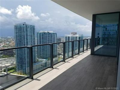 68 SE 6TH ST APT 3602, Miami, FL 33131 - Photo 2