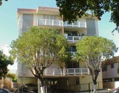910 MICHIGAN AVE 403, Miami Beach, FL 33139 - Photo 1