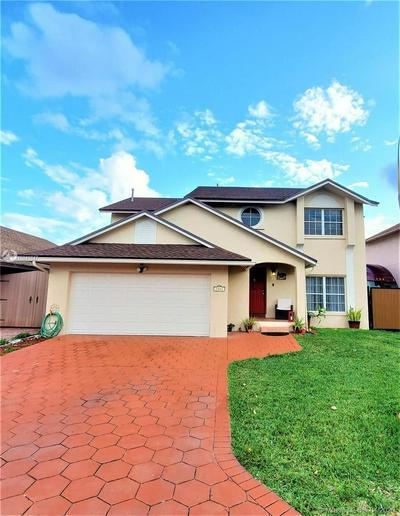 7884 NW 191ST ST, Hialeah, FL 33015 - Photo 1