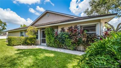 4933 W LAKES DR # 4933, Deerfield Beach, FL 33442 - Photo 1