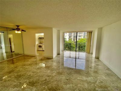 17021 N BAY RD APT 402, Sunny Isles Beach, FL 33160 - Photo 2