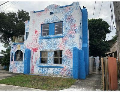 720 NW 12TH CT, Miami, FL 33125 - Photo 2
