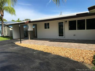 2555 SE 5TH CT, Pompano Beach, FL 33062 - Photo 2
