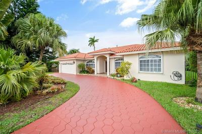 6821 WINGED FOOT DR, Hialeah, FL 33015 - Photo 2