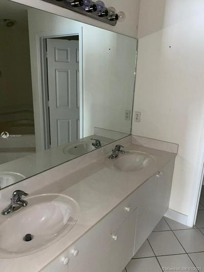 2115 NE 36TH AVE # 2115, Homestead, FL 33033 - Photo 2