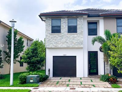 15822 NW 91ST AVE # 15822, Miami Lakes, FL 33018 - Photo 1