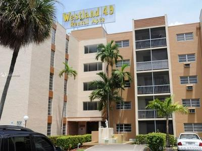1337 W 49TH PL APT 420, Hialeah, FL 33012 - Photo 1