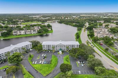 1532 WHITEHALL DR APT 306, Davie, FL 33324 - Photo 2