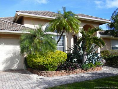 16421 NE 34TH AVE, North Miami Beach, FL 33160 - Photo 2