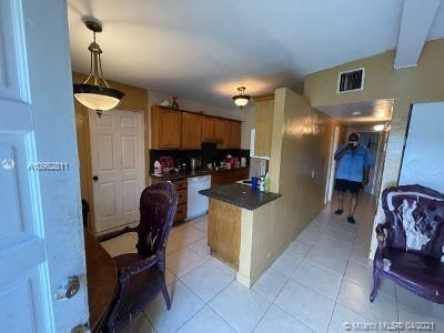 272 NW 30TH TER, Fort Lauderdale, FL 33311 - Photo 2