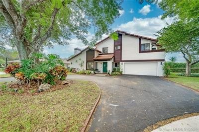 1011 NW 95TH TER, Plantation, FL 33322 - Photo 2