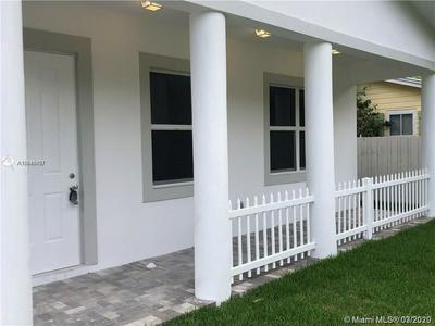 411 SEMINOLE AVE, FORT LAUDERDALE, FL 33312 - Photo 2