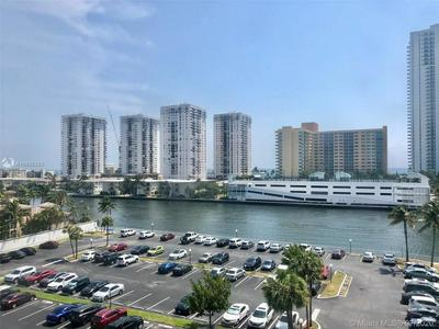 1000 PARKVIEW DR APT 702, Hallandale Beach, FL 33009 - Photo 1
