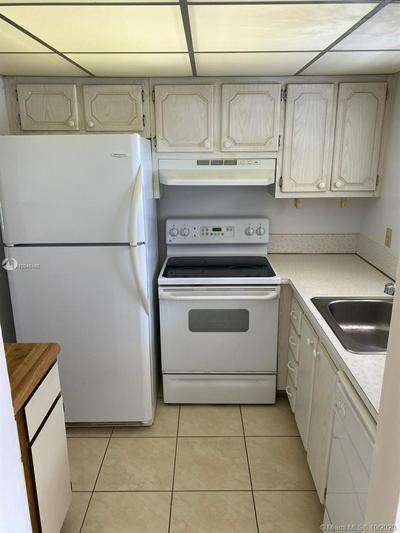 9911 SANDALFOOT BLVD APT 120, Boca Raton, FL 33428 - Photo 2