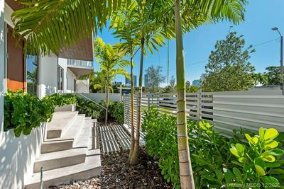 529 SW 11TH ST APT 101, Miami, FL 33129 - Photo 1