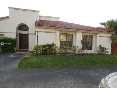 526 SW 88TH CT, Miami, FL 33174 - Photo 2