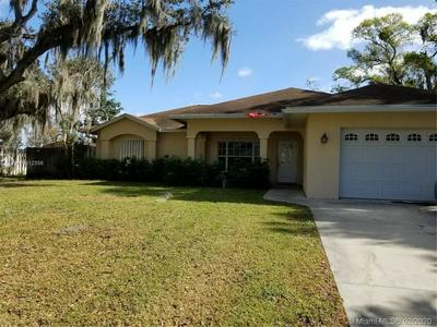 217 SE 5TH AVE, Okeechobee, FL 34974 - Photo 2