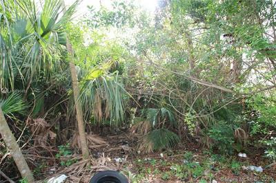 1658 SW 2ND WAY, OKEECHOBEE, FL 34974 - Photo 2