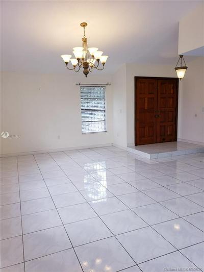 512 SW 99TH PL, Miami, FL 33174 - Photo 2