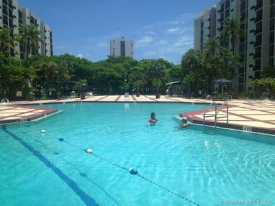 16919 N BAY RD APT 609, Sunny Isles Beach, FL 33160 - Photo 2