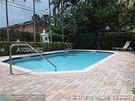 2660 NE 8TH AVE APT 105, Wilton Manors, FL 33334 - Photo 2