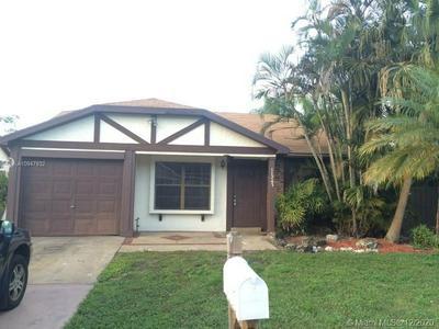 11243 MODEL CIR W, Boca Raton, FL 33428 - Photo 1