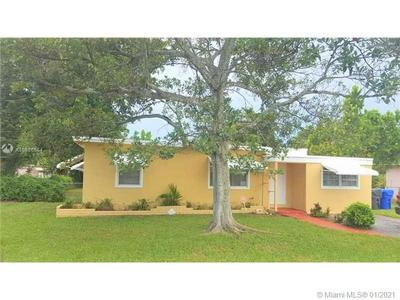 26 MIAMI GARDENS RD, West Park, FL 33023 - Photo 1