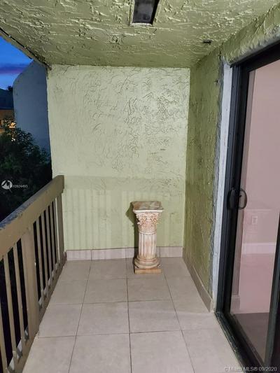 1011 SW 105TH AVE APT 204, Miami, FL 33174 - Photo 2