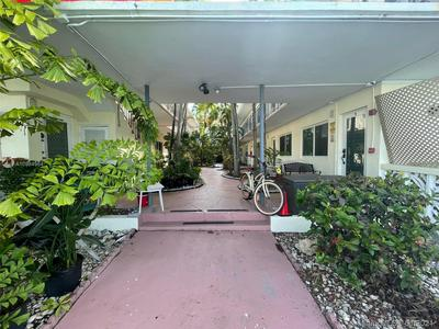 8040 TATUM WATERWAY DR APT 3, Miami Beach, FL 33141 - Photo 1