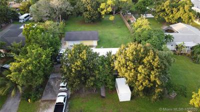 4045 SW 8TH ST, Plantation, FL 33317 - Photo 2