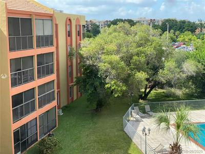 9405 W FLAGLER ST APT D404, Miami, FL 33174 - Photo 1