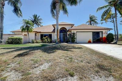 2644 SW UNION TER, PORT SAINT LUCIE, FL 34953 - Photo 2