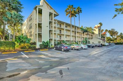 6655 KENSINGTON LN APT 402, Delray Beach, FL 33446 - Photo 1