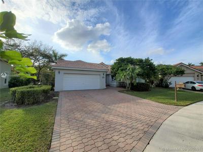 569 SPINNAKER, Weston, FL 33326 - Photo 1