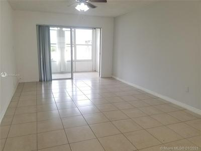 8110 SUNRISE LAKES BLVD APT 305, Sunrise, FL 33322 - Photo 1