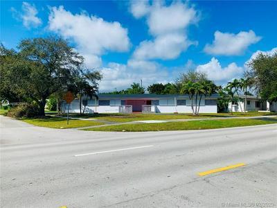 1500 N PARK RD, HOLLYWOOD, FL 33021 - Photo 1
