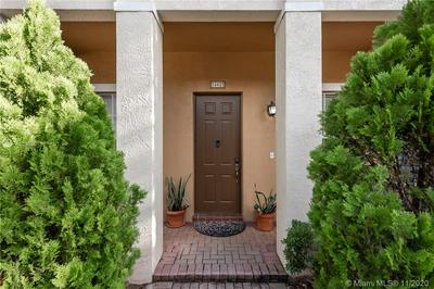 14622 SW 6TH ST, Pembroke Pines, FL 33027 - Photo 2