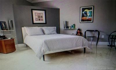 8601 SW 70TH ST, Miami, FL 33143 - Photo 2