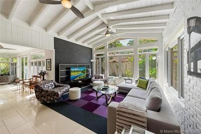 465 NE 56TH ST, Miami, FL 33137 - Photo 2