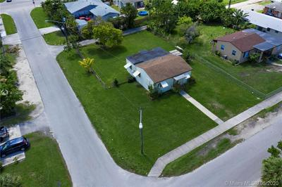 406 NW 5TH AVE, Homestead, FL 33030 - Photo 2