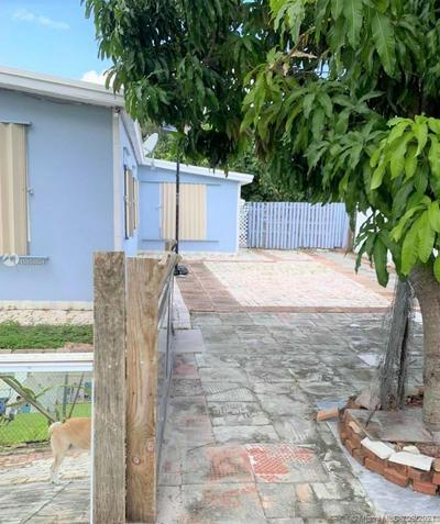 1550 NE 41ST CT, Pompano Beach, FL 33064 - Photo 2