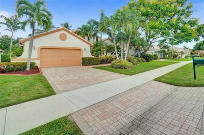 2822 W ABIACA CIR, Davie, FL 33328 - Photo 1